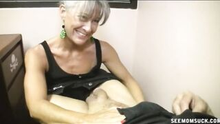 Mommy desires her Son to get an a so that babe Helps his Teacher Wit a Suck