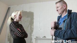 Amateur wife goes around draining balls