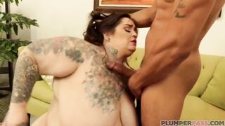 Big Beautiful Woman bottoms trying her superlatively good to handle this penis superlatively good that babe can